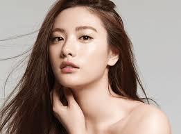 نانا «إيم-جين آه» - أجمل نساء العالم