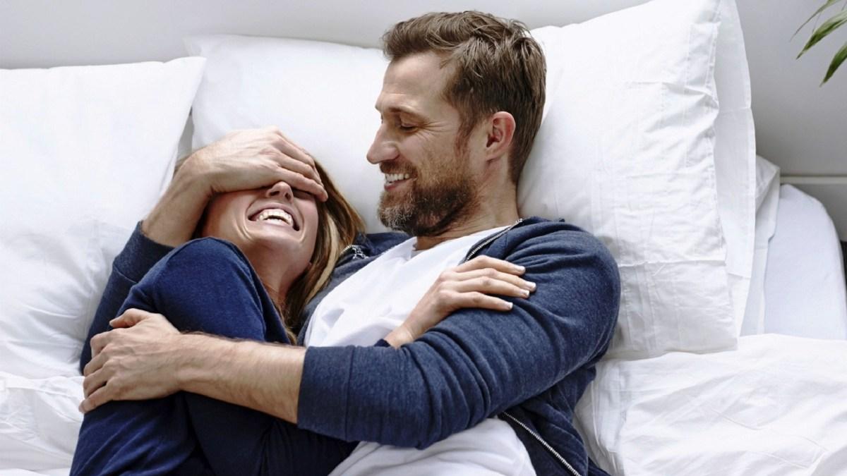 أرق رسائل وعبارات وصور حب جرئية للمتزوجين