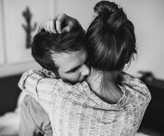 رسائل وعبارات وصور حب جرئية للمتزوجين