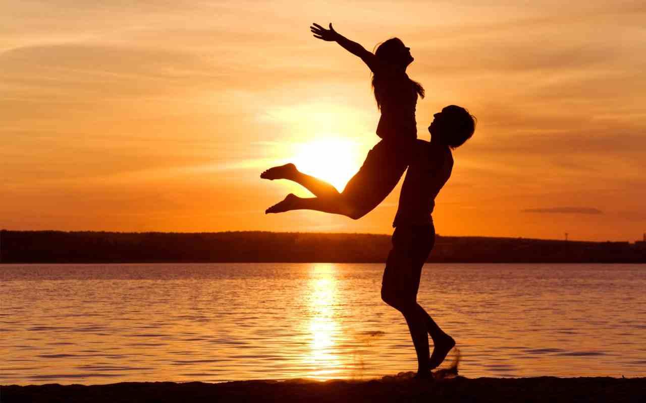 صور حب جرئية للمتزوجين